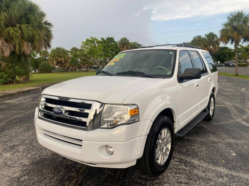 2013 Ford Expedition for sale at Lamberti Auto Collection in Plantation FL