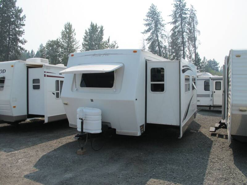 2006 Artic Fox 29V With 2-Slideouts for sale at Oregon RV Outlet LLC in Grants Pass OR