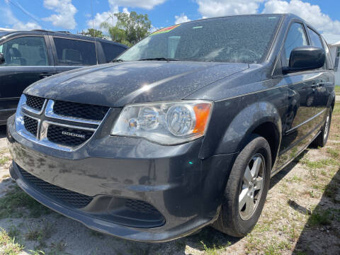 2011 Dodge Grand Caravan for sale at EXECUTIVE CAR SALES LLC in North Fort Myers FL