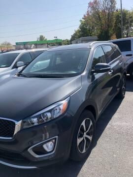 2017 Kia Sorento for sale at BRYANT AUTO SALES in Bryant AR