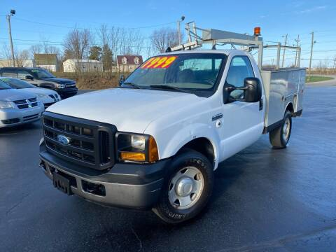 2006 Ford F-350 Super Duty for sale at CarSmart Auto Group in Orleans IN