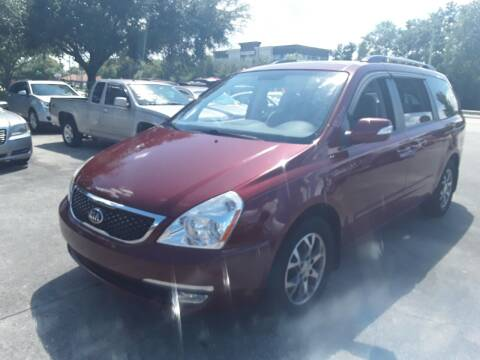 2014 Kia Sedona for sale at FAMILY AUTO BROKERS in Longwood FL