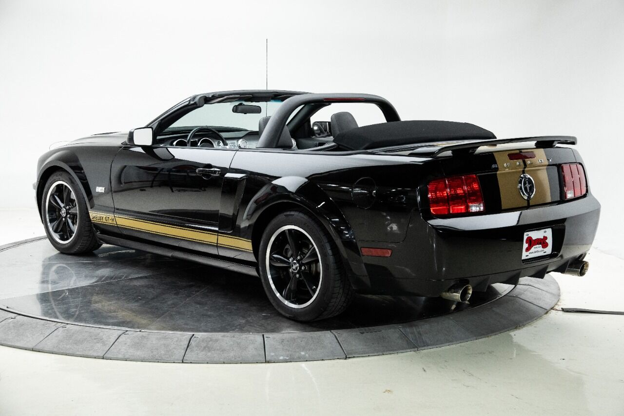 2007 Ford Mustang 10