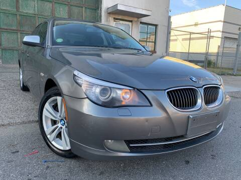 2010 BMW 5 Series for sale at Illinois Auto Sales in Paterson NJ