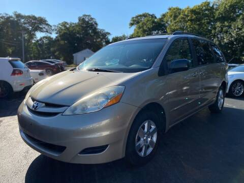 2010 Toyota Sienna for sale at SOUTH SHORE AUTO GALLERY, INC. in Abington MA