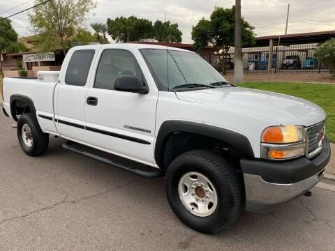2002 GMC Sierra 2500HD for sale at Premier Motors AZ in Phoenix AZ