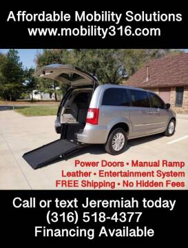 2013 Chrysler Town and Country for sale at Affordable Mobility Solutions, LLC - Mobility/Wheelchair Accessible Inventory-Wichita in Wichita KS