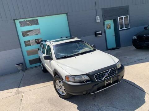 2001 Volvo V70 for sale at Enthusiast Autohaus in Sheridan IN