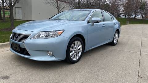 2013 Lexus ES 300h for sale at Western Star Auto Sales in Chicago IL