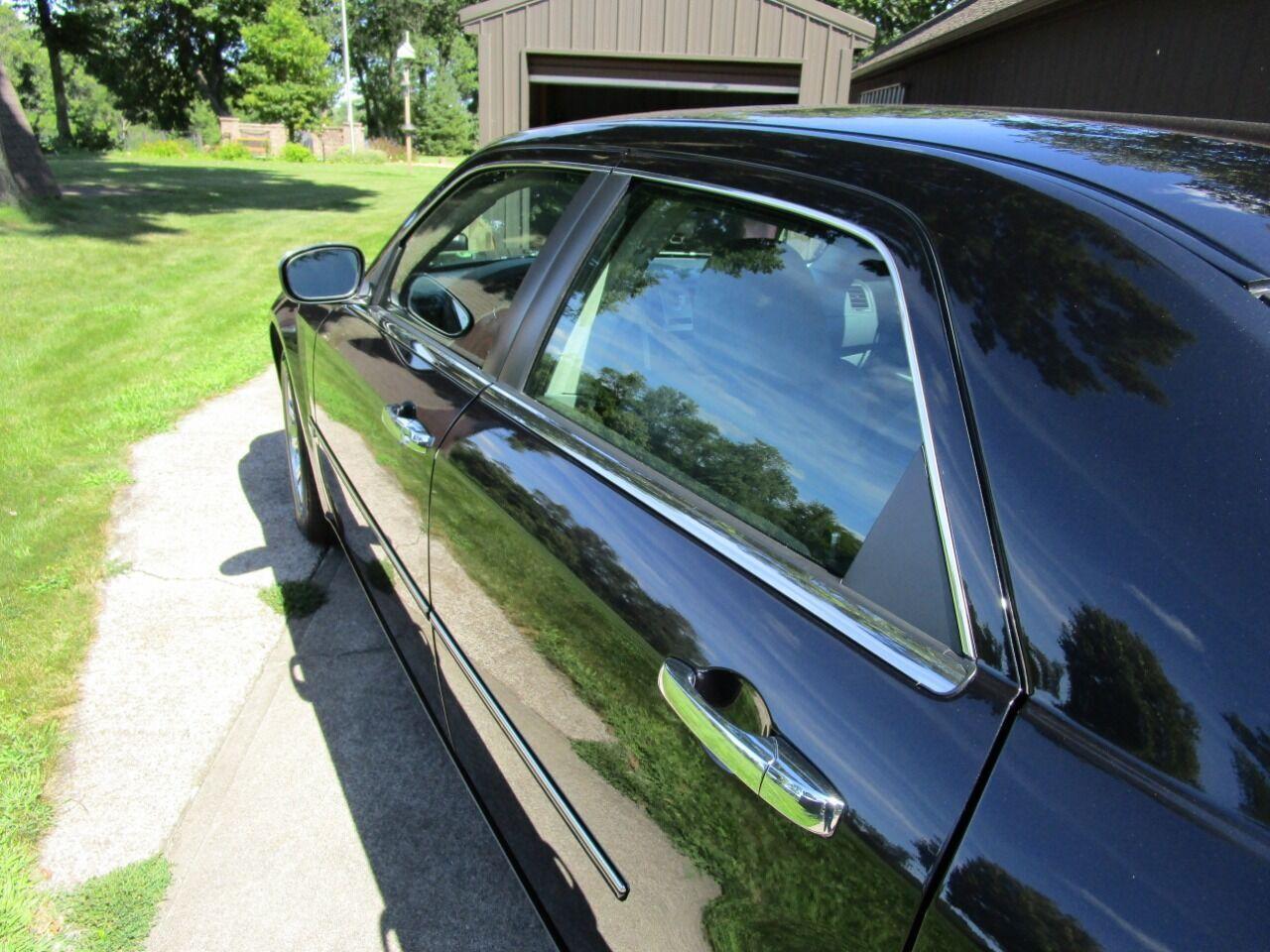 2006 Chrysler 300 36