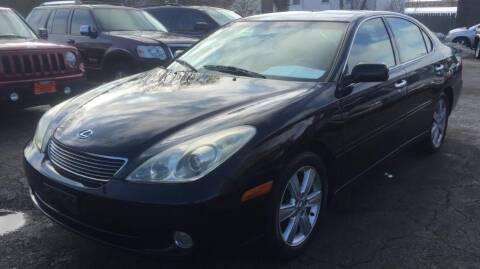 2005 Lexus ES 330 for sale at Knowlton Motors, Inc. in Freeport IL