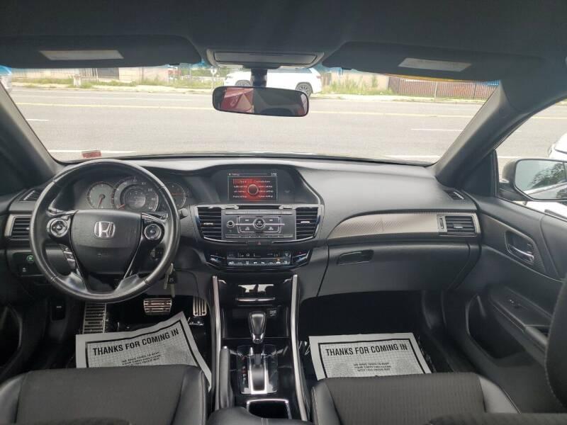 2017 Honda Accord Sport 4dr Sedan CVT - Freeport NY