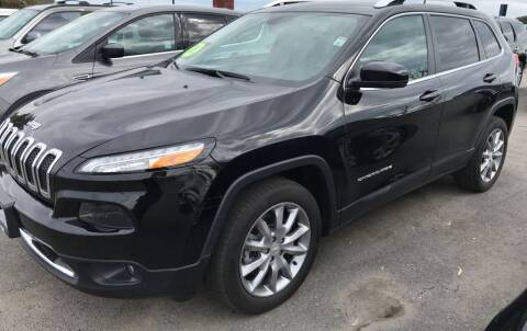 2018 Jeep Cherokee for sale at First Choice Auto Sales in Bakersfield CA