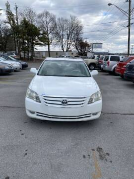 2005 Toyota Avalon for sale at Elite Motors in Knoxville TN