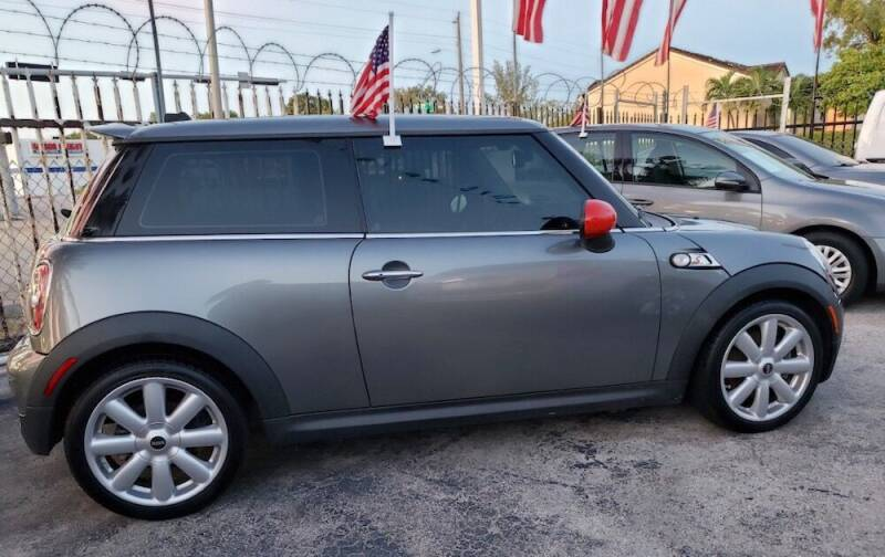 2010 MINI Cooper S 2dr Hatchback - Miami FL