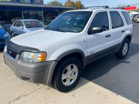 2001 Ford Escape for sale at Wise Investments Auto Sales in Sellersburg IN