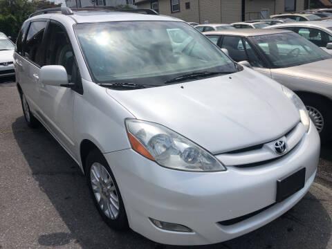 2008 Toyota Sienna for sale at Matt-N-Az Auto Sales in Allentown PA