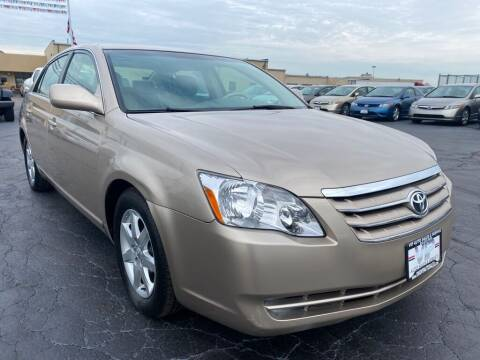 2005 Toyota Avalon for sale at VIP Auto Sales & Service in Franklin OH