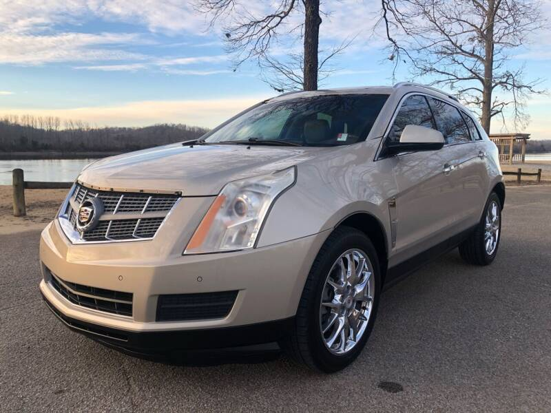 2011 Cadillac SRX for sale at Monroe Auto's, LLC in Parsons TN