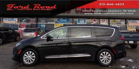 2017 Chrysler Pacifica for sale at Ford Road Motor Sales in Dearborn MI