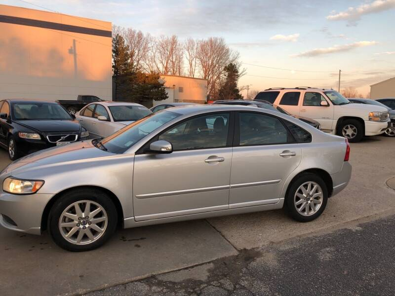 2008 Volvo S40 for sale at UNIVERSITY FOREIGN CAR LLC in Bridgeton MO