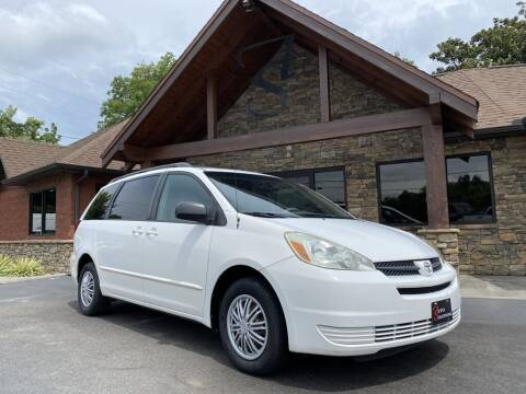 2004 Toyota Sienna for sale at Auto Solutions in Maryville TN
