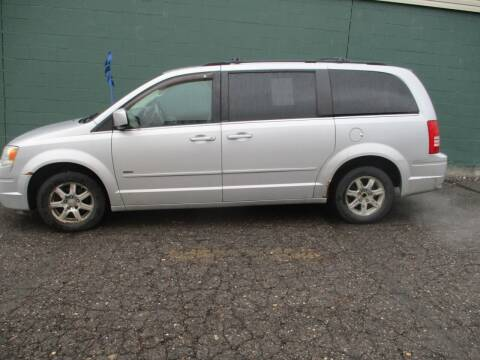2008 Chrysler Town and Country for sale at Sally & Assoc. Auto Sales Inc. in Alliance OH