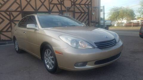 2004 Lexus ES 330 for sale at Used Car Showcase in Phoenix AZ