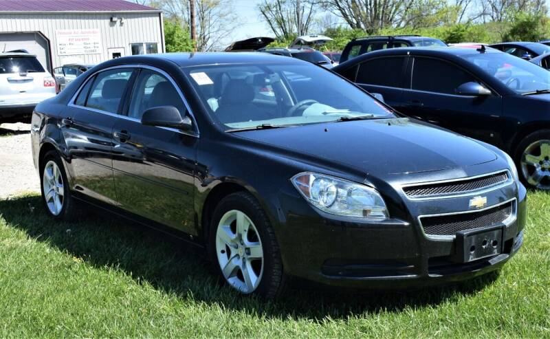 2010 Chevrolet Malibu for sale at PINNACLE ROAD AUTOMOTIVE LLC in Moraine OH