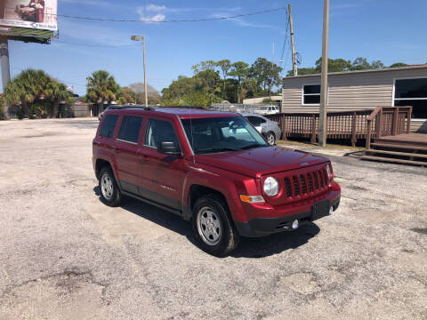 2014 Jeep Patriot for sale at Friendly Finance Auto Sales in Port Richey FL