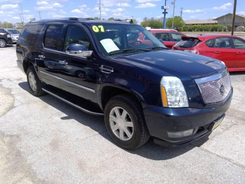 2007 Cadillac Escalade ESV for sale in Davenport, IA