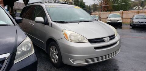 2005 Toyota Sienna for sale at Selective Wheels in Windber PA