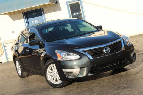 2014 Nissan Altima for sale at Dynamics Auto Sale in Highland IN