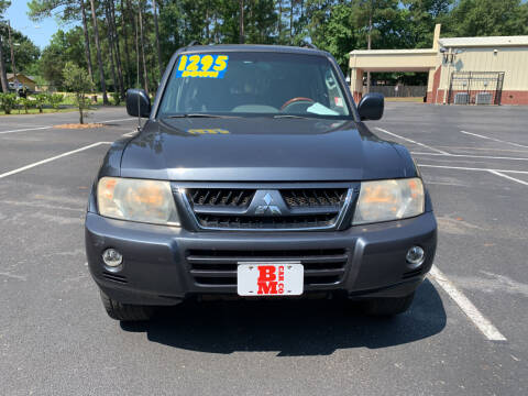 2005 Mitsubishi Montero for sale at B & M Car Co in Conroe TX