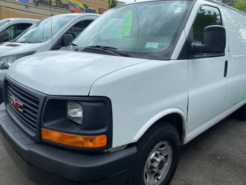 2012 GMC Savana Cargo for sale at Drive Deleon in Yonkers NY
