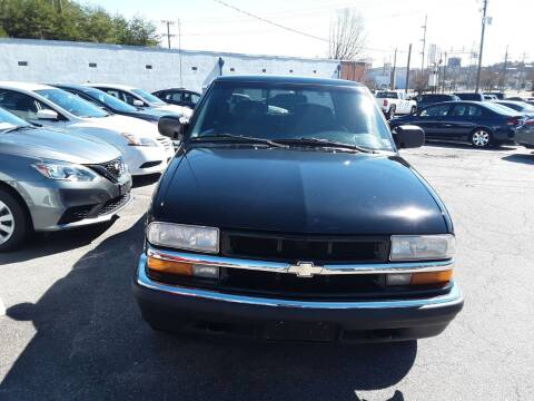 2002 Chevrolet S-10 for sale at Auto Villa in Danville VA