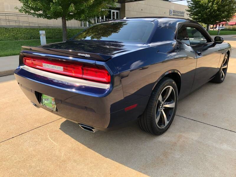 2014 Dodge Challenger R/T Classic 2dr Coupe - Bettendorf IA
