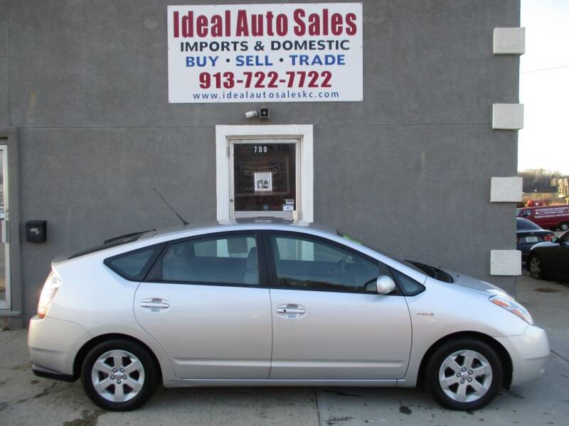 2007 Toyota Prius for sale at Ideal Auto in Kansas City KS