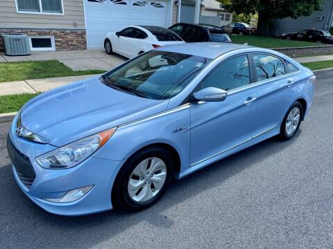 2013 Hyundai Sonata Hybrid for sale at Jordan Auto Group in Paterson NJ