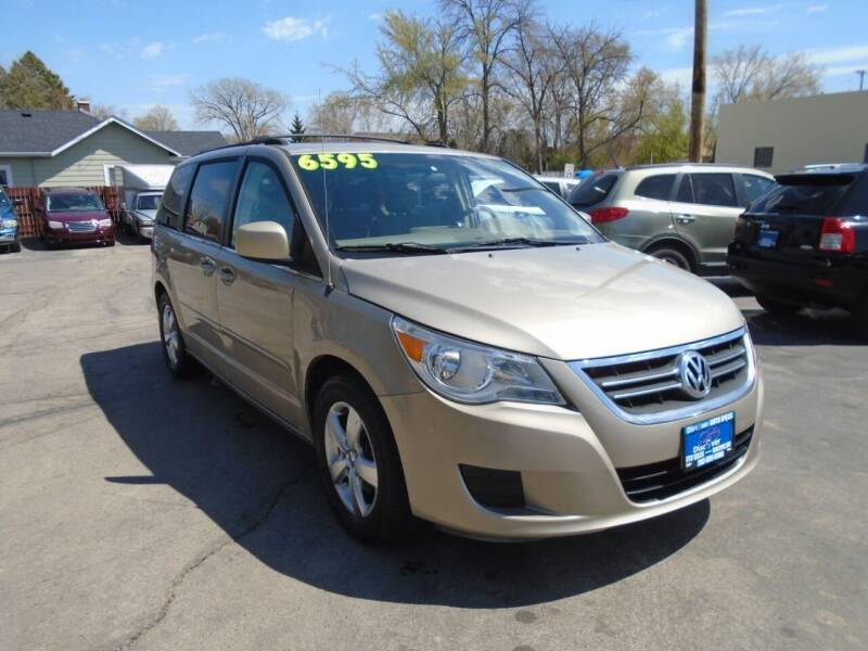 2009 Volkswagen Routan for sale at DISCOVER AUTO SALES in Racine WI