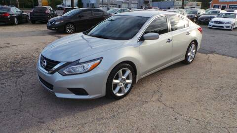 2017 Nissan Altima for sale at Unlimited Auto Sales in Upper Marlboro MD