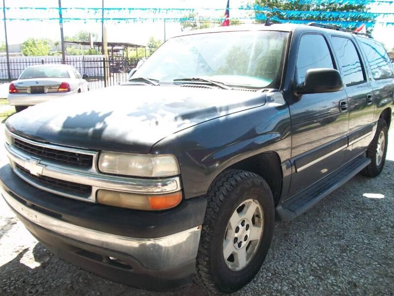 2006 Chevrolet Suburban for sale at THOM'S MOTORS in Houston TX