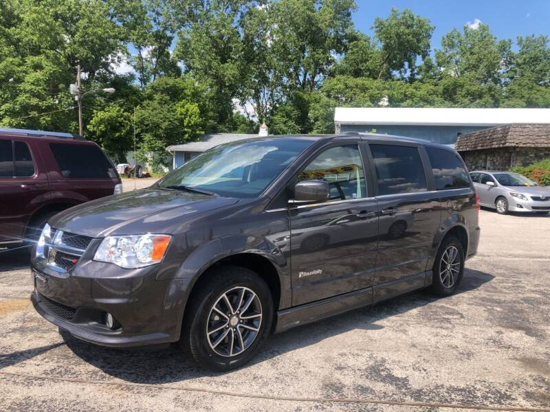 2017 Dodge Grand Caravan for sale at BELL AUTO & TRUCK SALES in Fort Wayne IN