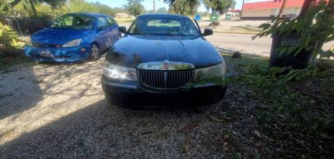 2001 Lincoln Town Car for sale at C.J. AUTO SALES llc. in San Antonio TX