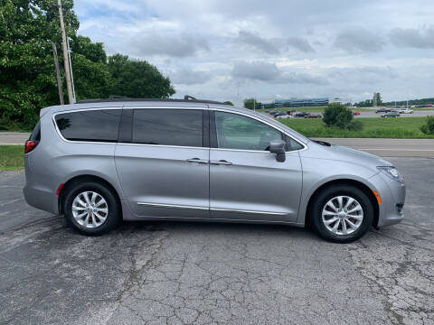 2017 Chrysler Pacifica for sale at Westview Motors in Hillsboro OH