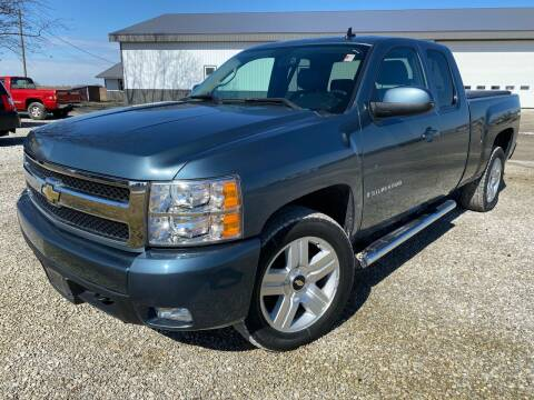 2007 Chevrolet Silverado 1500 for sale at CMC AUTOMOTIVE in Roann IN