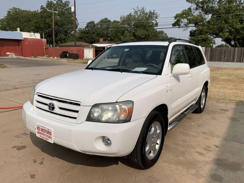 2004 Toyota Highlander for sale at KD Motors in Lubbock TX