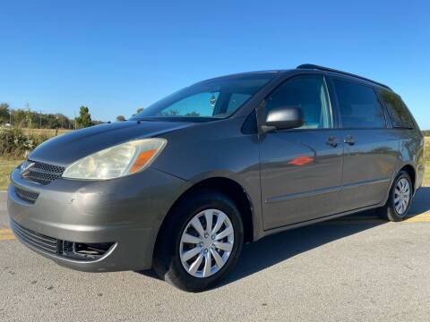 2005 Toyota Sienna for sale at ILUVCHEAPCARS.COM in Tulsa OK