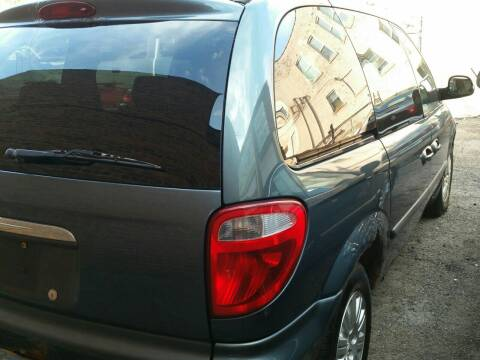 2006 Chrysler Town and Country for sale at 216 Automotive Group in Cleveland OH
