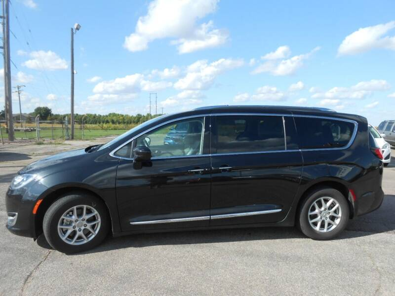 2020 Chrysler Pacifica for sale at Salmon Automotive Inc. in Tracy MN